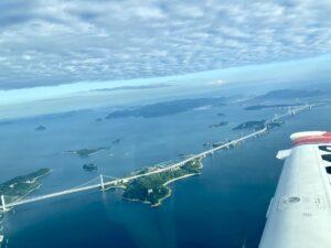 瀬戸内海に浮かぶ瀬戸大橋