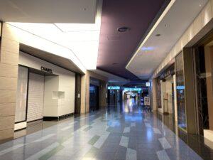 深夜のような羽田国際線ターミナル